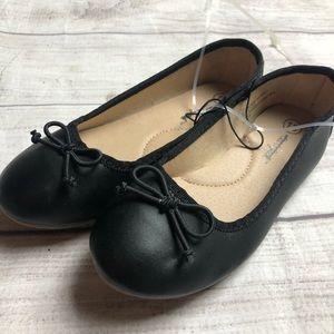 New girl black shoes slip on 13 cat & jack
